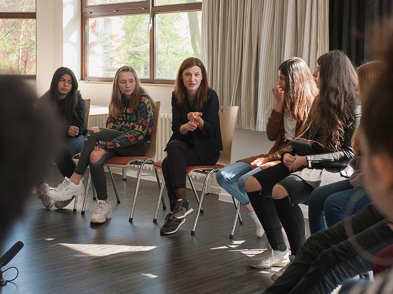 Jasmina Heritani - Diskussion mit Jugendlichen